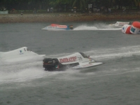 Simon Fisher racing in F1 Powerboat
